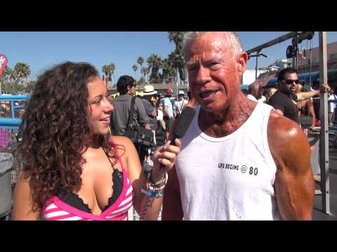 80 Year Old Bodybuilder Jim Arrington at Muscle Beach Competition 9/3/12