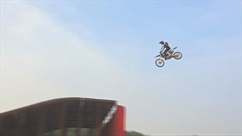 В Индии начался чемпионат по мотофристайлу