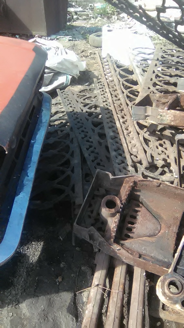 В Кимрах, при ремонте моста, сняли старинную чугунную ограду и сдали ее на металлолом