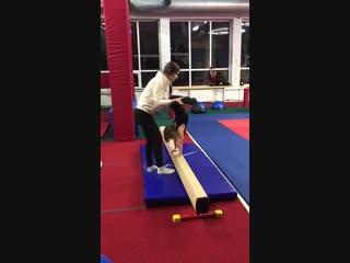 Гимнастика и акробатика с Елизаветой ч.1