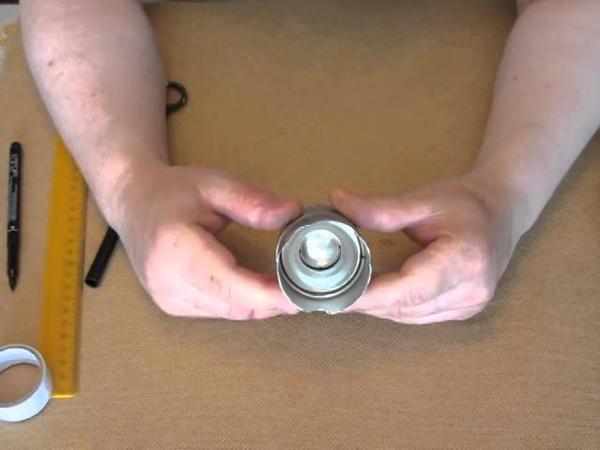 Делаем спиртовую горелку из баллона Make an alcohol burner from the container