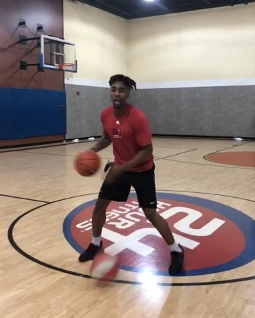 """Dax on Instagram """"SMOOTH LIKE BABY BOTTOM 🍼👶🏿 Ya boi gonna be playing at the @sneakercon Hoop Classic Jun 9-10 in Chicago 🏀🌊 How many points you t..."""