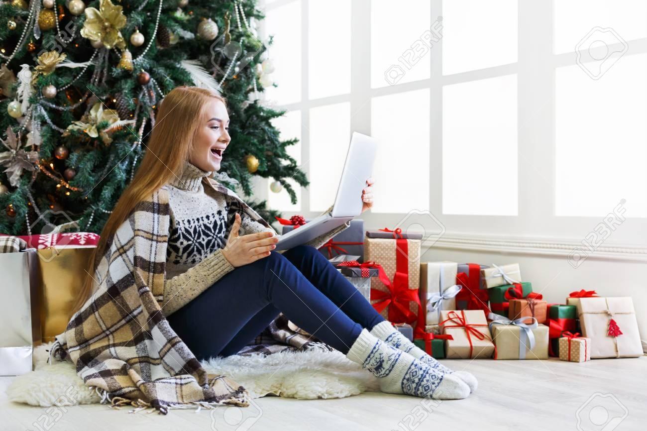 Какой ноутбук купить в подарок на Новый год 2019