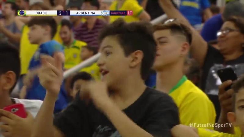Леандро Лино. Гол в ворота Аргентины