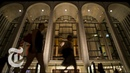 What Happens Just Before Show Time At the Met Opera The New York Times