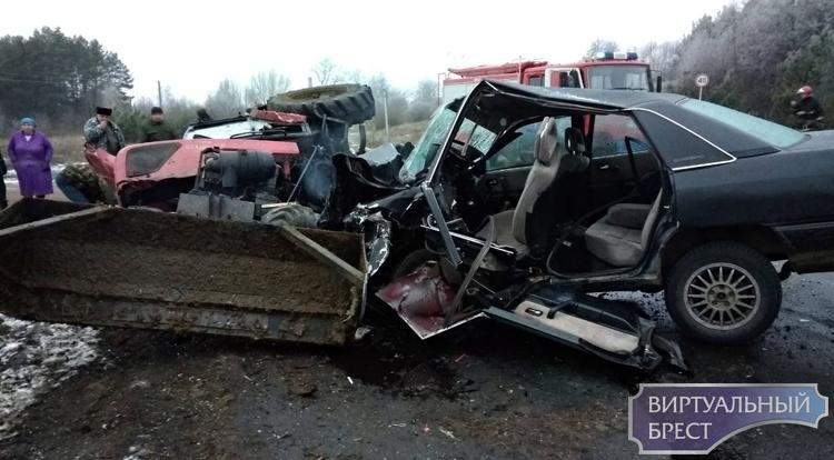 ДТП в Малоритском районе - AUDI и трактор: два человека в реанимации