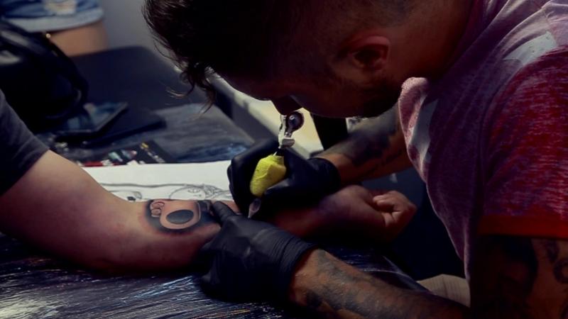 Харьковский фестиваль татуировки — мастер Максим Алексеев