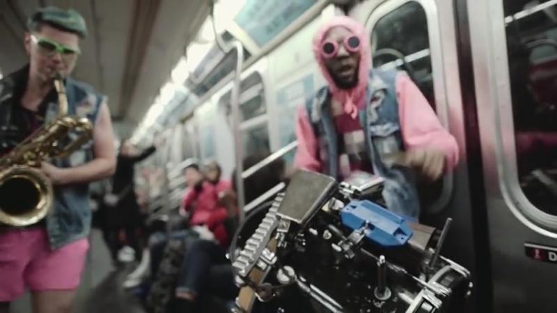 Too many zooz в метро