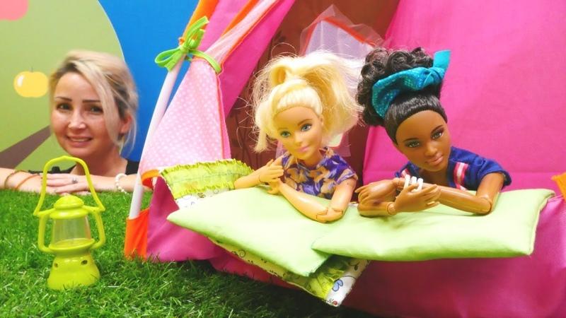 Barbie oyunları. Yolunu kaybeden müşteriler Özgenin kampında