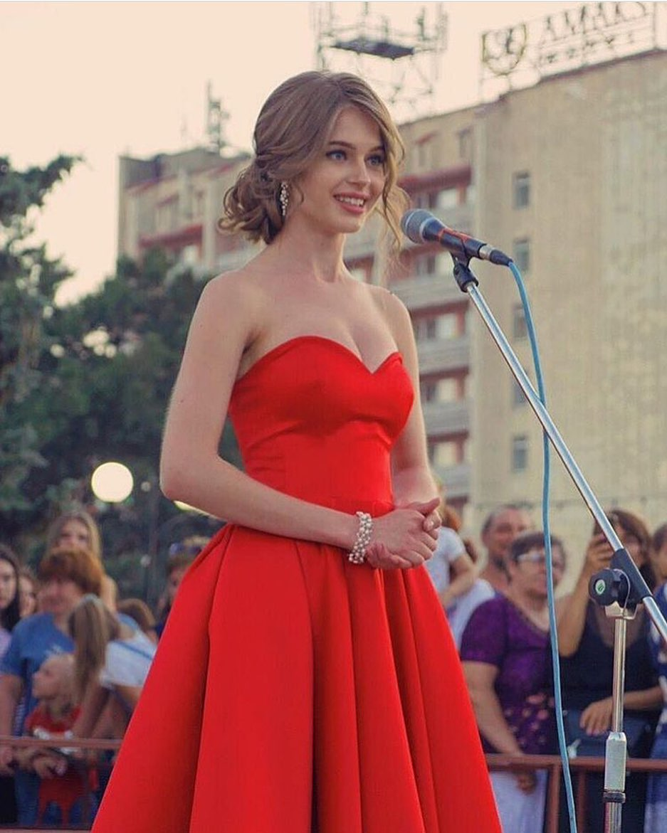 Alina Sanko (RUSSIA 2019) - Page 3 9fnuHOel51k
