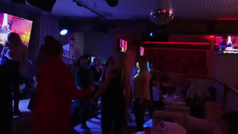 А мы продолжаем петь и танцевать, не хватает только тебя❤️ ⠀⠀⠀⠀⠀⠀⠀⠀⠀⠀⠀⠀⠀⠀⠀⠀⠀⠀⠀⠀⠀⠀⠀⠀⠀⠀⠀ 📞 Резерв столиков 97-21-97 🗺 Мира 311 📸