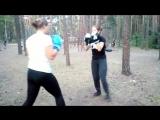 Тренировка по Ушу в Сосновке. Девушки отрабатывают защиты от серий ударов руками