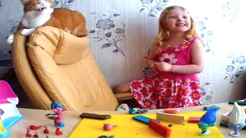 Детская песенка Улыбка Исполнители-Кристина и кот Мурлыка.