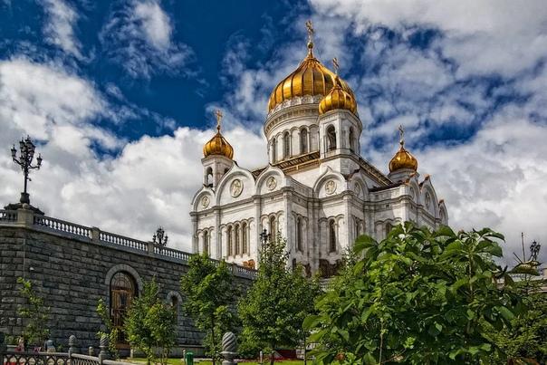 Разница между храмом и церковью