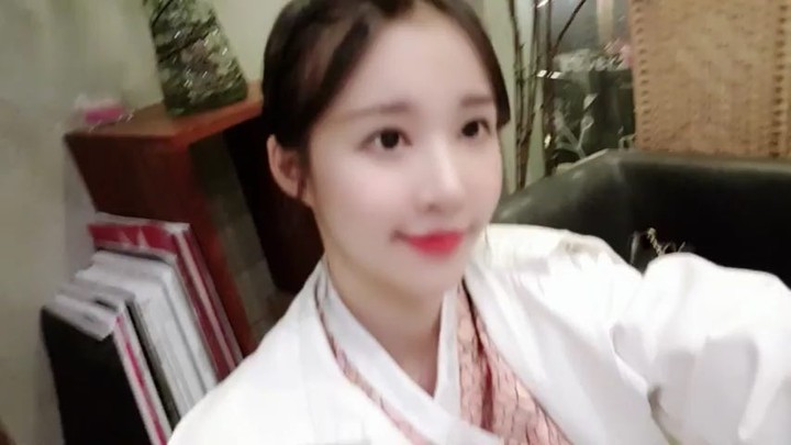 180924 Ellin Instagram