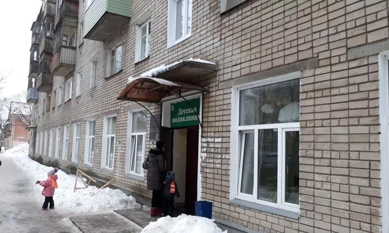 перегруженность детской поликлиники на улице Судостроителей в Дядьково