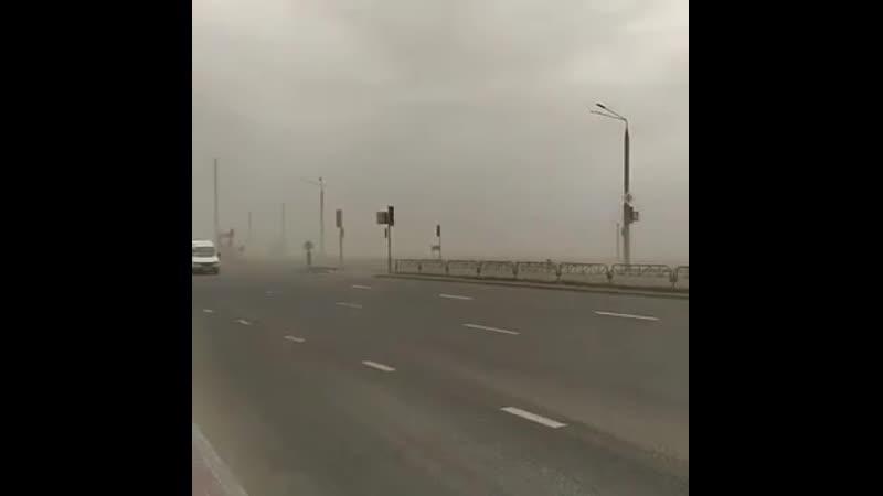 Песчаная буря накрыла сегодня Гродно. Ожидалось, что эта пыль из Сахары либо осядет в Польше, либо ее сдует в Прибалтику, но зад