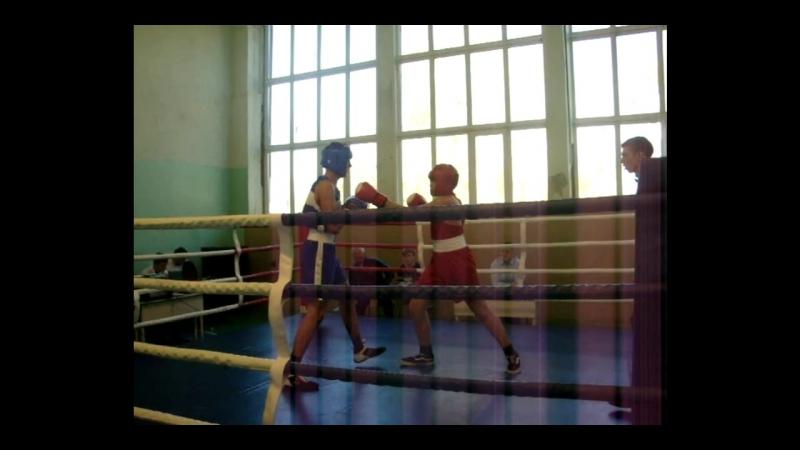 Открытый турнир по боксу. г. Чапаевск 13-14 октября 2018 г. Финал. Денисенко Максим - 1 место.