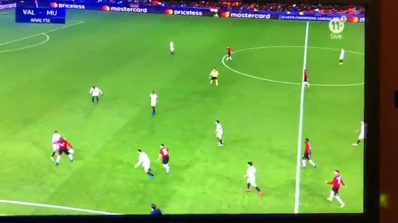 Belgian Proximus 11 pundits have taken lukaku's touches vs valencia and compiled them int