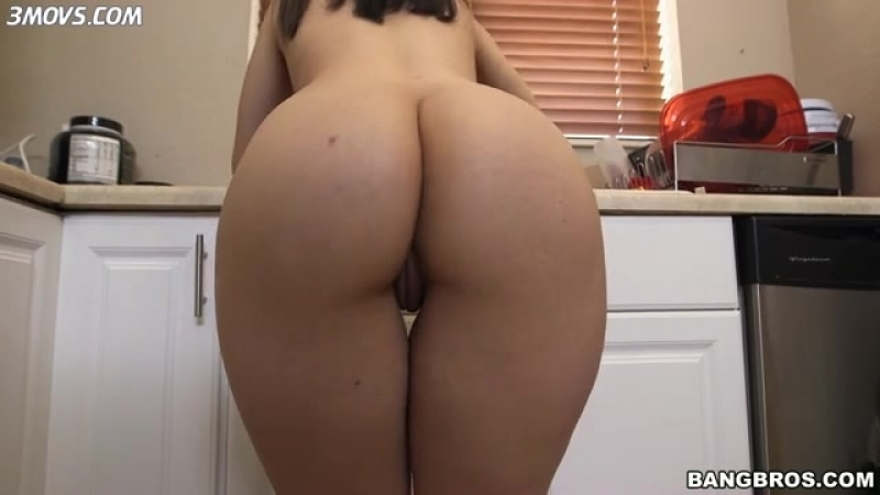 Www.3movs.combig-booty-maid-nadia-ali-shakes-her-ass-while-cleaning-the-kitchen_lq.mp4