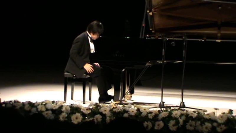 Nobuyuki Tsujii-Mozart K.331 Sonat, (Alla Turca) Bölüm. (No. 11) part 2 and 3