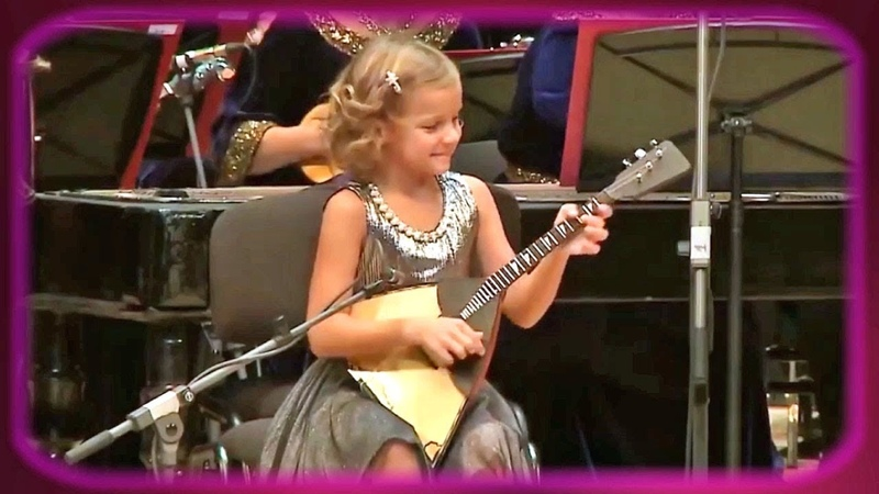 Anastasia Tyurina (7) performs Valenki on her balalaika (2018)