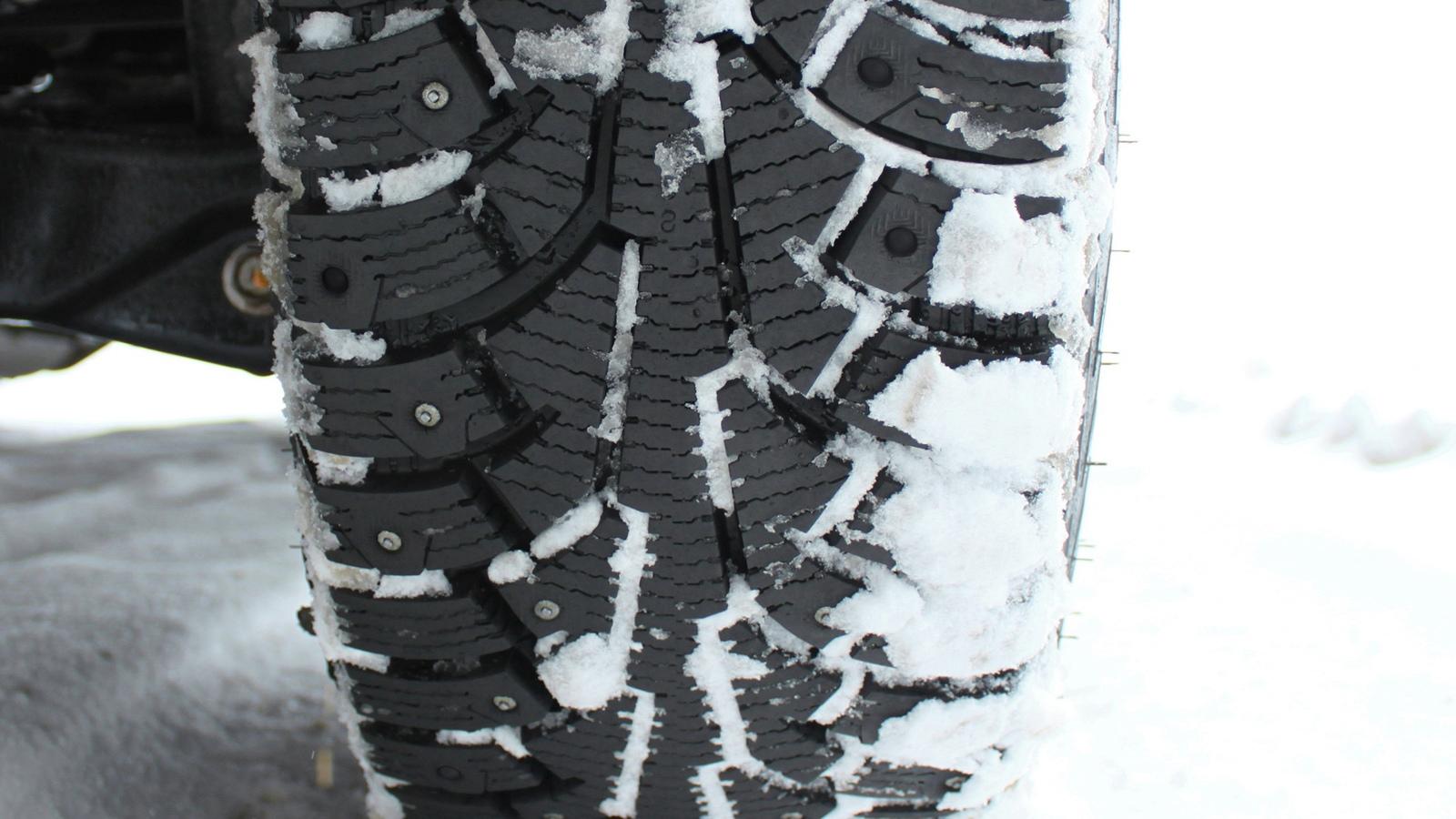Водителей не будут штрафовать за отсутствие зимней резины