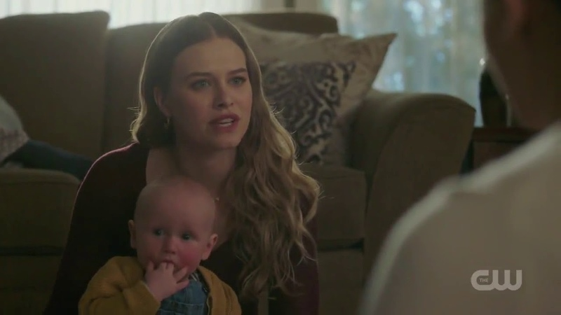 Polly Wants Betty To Meet Hal In Prison Riverdale 2x22 'Maybe Polly's Right '