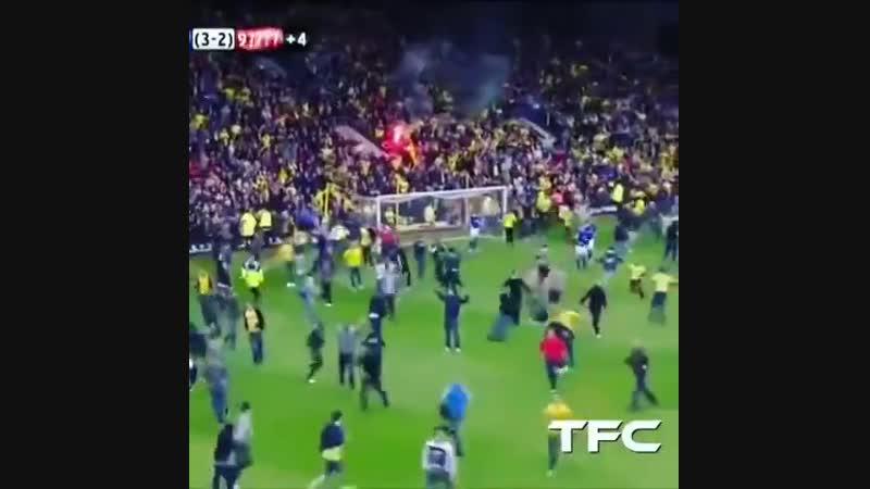 Самая сумасшедшая концовка футбольного матча, которую можно себе представить😱🔥 Матч за выход в АПЛ. «Уотфорд» против «Лестера»