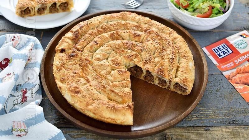 Placinta cu carne tocata Placinta turceasca (CC Eng Sub)   JamilaCuisine