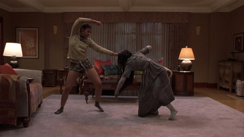 Драка с призраком из телека— «Очень страшное кино 3» (2003) сцена 3/8 QFHD