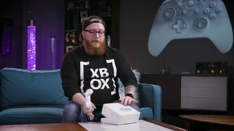 Распаковка беспроводного контроллера Xbox Phantom White Special Edition