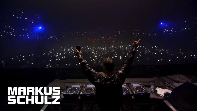 Markus Schulz feat Nikki Flores We Are The Light LIVE @ Transmission Prague 2018