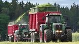 CLAAS JAGUAR 940 6x Tractors Fendt in action - Chopping Rye