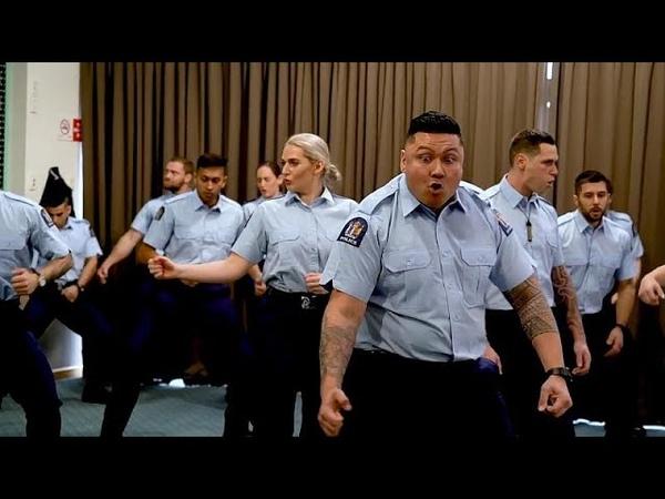 Полицейская академия: танцы на выпускном
