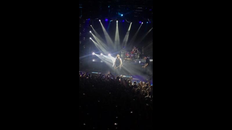 Skillet-Comatose (live)