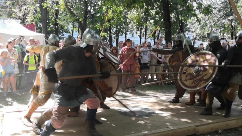 Серебряный Волк vs Белая Рысь