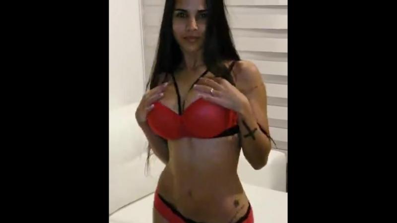 Шикарная латиночка-брюнетка (Girls Teen Boobs Tits Попка Сиськи Грудь Голая Эротика Трусики Ass Соски)