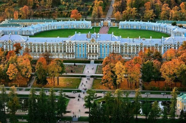 Подлинная история Петербурга Действительно ли Санкт-Петербург был построен царем Петром Первым. Многие стали усматривать следы неких супертехнологичных для петровского времени, да и даже для