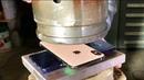 IPhone XS и NOTE 9 против ГИДРАВЛИЧЕСКОГО ПРЕССА