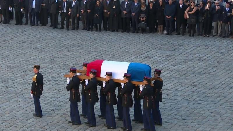 Франция отдала последние почести великому шансонье Шарлю Азнавуру