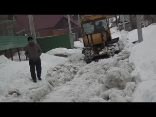 Уборка снега 2019,вовремя не чистили,вот такой результат,трактора ели-ели чистят