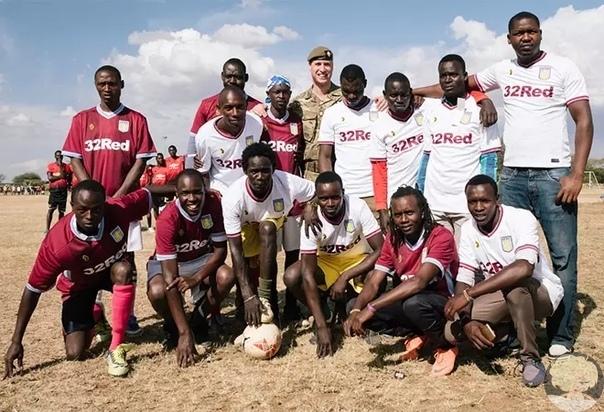 Принц Уильям познакомился в Кении с.... принцем Уильямом!