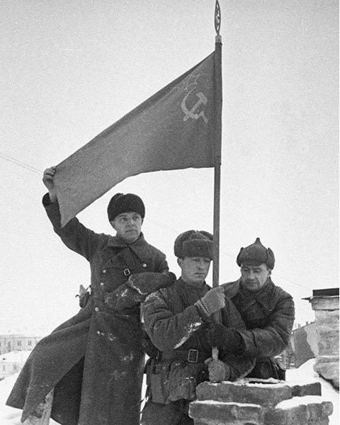 СТОРОЖЕВСКОЙ ПЛАЦДАРМ 28 июня 1942 года прорвав оборону Брянского и Юго-Западного фронтов в полосе до 300 километров и в ходе наступательной операции «Блау» за неделю продвинувшись вглубь