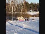 Парень спасает тонущего человека - Типичный Нижний Новгород