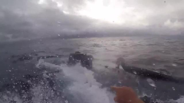 U S Coast Guard interdicts drug submarine Береговая охрана США перехватывает наркосубмарину