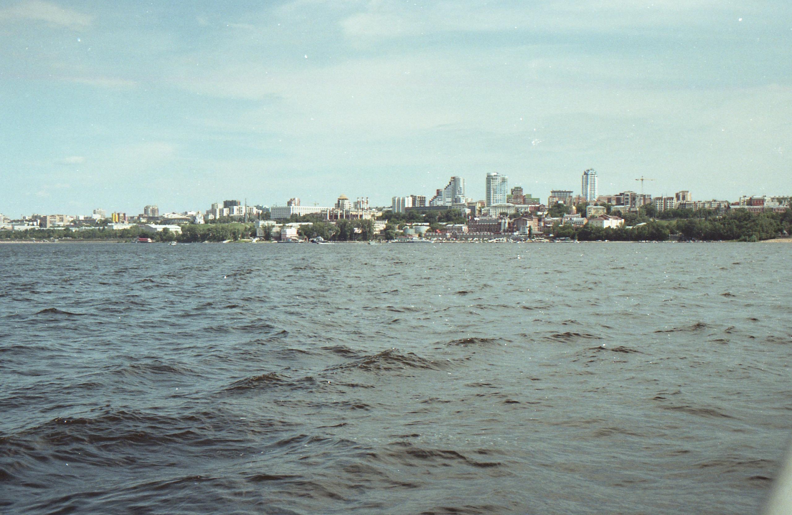 Самара на пленку. Вид с другого берега. Июль 2012г.
