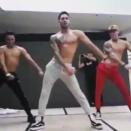 """Dance Tutorial on Instagram: """"LIT 😍🔥🔥 Follow @Challenge for more 👌 Tag Your Friends 👯♀️👯♀️ - Dancers: @cuban_flex @yanny_rodriguez_cubanflex @ton..."""