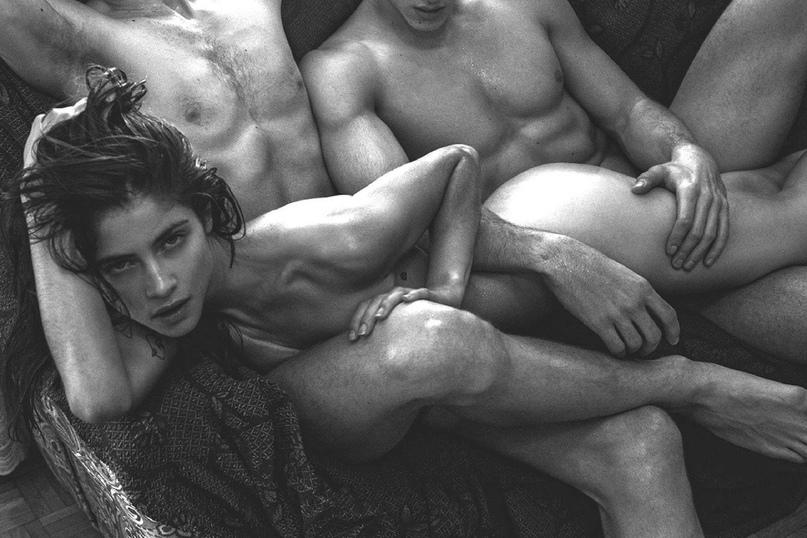 Привлекательный однополый анальний секс