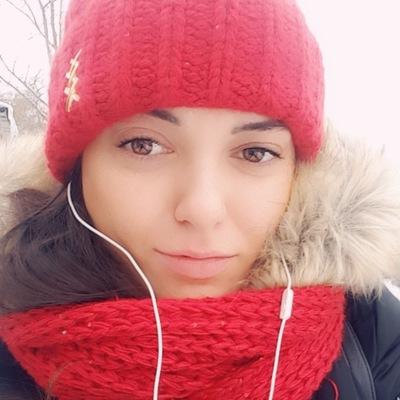 Алена Пфлаумер